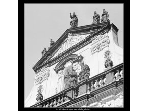 Štít kostela sv.Salvátora (3845), Praha 1965 červenec, černobílý obraz, stará fotografie, prodej