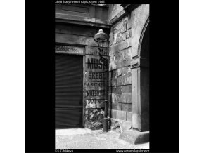 Starý firemní nápis (3868), Praha 1965 srpen, černobílý obraz, stará fotografie, prodej