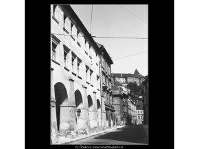 Tomášská ulice (3880), Praha 1965 srpen, černobílý obraz, stará fotografie, prodej