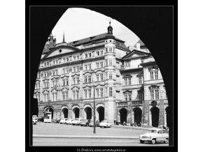 Dům Smiřických (3882-4), Praha 1965 srpen, černobílý obraz, stará fotografie, prodej