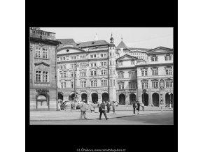 Dům Smiřických a Šternberský palác (3882-9), Praha 1965 srpen, černobílý obraz, stará fotografie, prodej