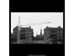 Jeřáb a Dětská nemocnice (3886), Praha 1965 srpen, černobílý obraz, stará fotografie, prodej