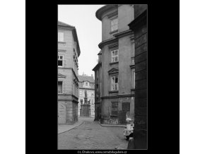 Pohled na Maltézské náměstí (3911-2), Praha 1965 srpen, černobílý obraz, stará fotografie, prodej