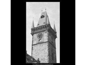 Věž Staroměstské radnice (3922), Praha 1965 srpen, černobílý obraz, stará fotografie, prodej