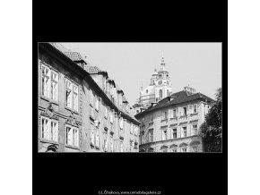 Kopule chrámu sv.Mikuláše (3945), Praha 1965 září, černobílý obraz, stará fotografie, prodej
