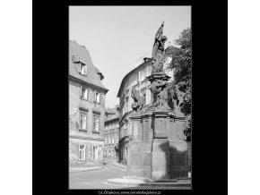 Pohled do Prokopské ulice (3946), Praha 1965 září, černobílý obraz, stará fotografie, prodej