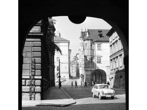 Pohled do Malostranského náměstí (3947-2), Praha 1965 září, černobílý obraz, stará fotografie, prodej