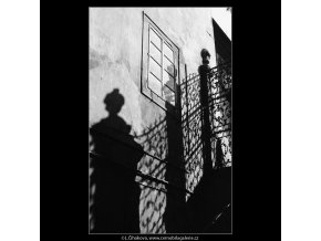 Pražské dvory (4018-1), Praha 1965 září, černobílý obraz, stará fotografie, prodej