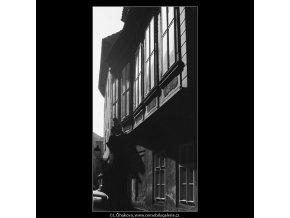 Pražská okna (4040-2), Praha 1965 září, černobílý obraz, stará fotografie, prodej