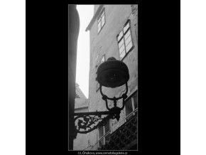 Z Kožné uličky (4117-1), Praha 1965 říjen, černobílý obraz, stará fotografie, prodej