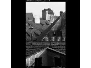 Staroměstské střechy (4127-3), Praha 1965 říjen, černobílý obraz, stará fotografie, prodej