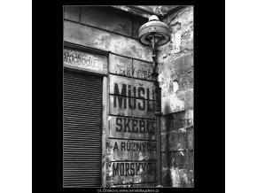 Starý obchodní název (4140), Praha 1965 říjen, černobílý obraz, stará fotografie, prodej