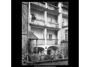 Z pražských Benátek (4199-1), Praha 1965 prosinec, černobílý obraz, stará fotografie, prodej
