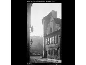 U Lužického semináře (4203), Praha 1965 prosinec, černobílý obraz, stará fotografie, prodej