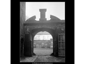 Pražské portály (4211), Praha 1965 prosinec, černobílý obraz, stará fotografie, prodej