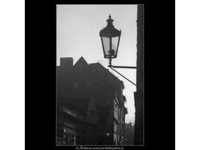Lucerna a domy (4212), Praha 1965 prosinec, černobílý obraz, stará fotografie, prodej