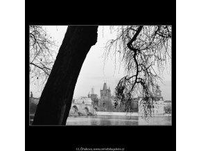 Pohled ke Karlovým lázním (4220-2), Praha 1965 prosinec, černobílý obraz, stará fotografie, prodej