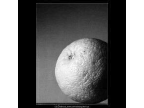 Pomeranč (4272-2), žánry - Praha 1966 únor, černobílý obraz, stará fotografie, prodej