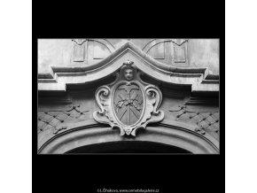 U Tří zlatých sekyrek (4278), Praha 1966 únor, černobílý obraz, stará fotografie, prodej