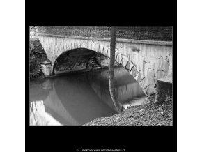 Oblouk mostku (4284-16), Praha 1966 únor, černobílý obraz, stará fotografie, prodej