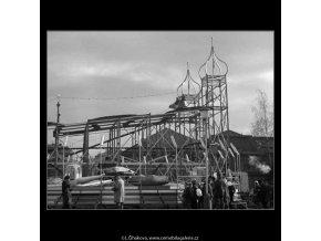 Dráha na Matějské pouti (4309-2), žánry - Praha 1966 únor, černobílý obraz, stará fotografie, prodej