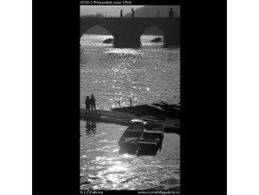 Přístaviště (4310-2), žánry - Praha 1966 únor, černobílý obraz, stará fotografie, prodej
