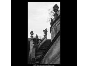 Z Vrtbovské zahrady (4311-2), Praha 1966 únor, černobílý obraz, stará fotografie, prodej