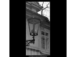 Pražské lucerny (4325-2), Praha 1966 únor, černobílý obraz, stará fotografie, prodej