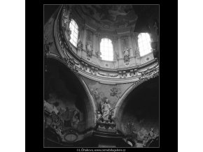 Chrám sv.Mikuláše (4472-2), Praha 1966 duben, černobílý obraz, stará fotografie, prodej