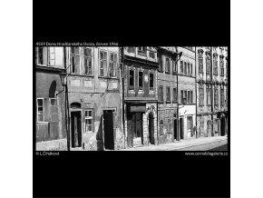 Domy Hradčanského Úvozu (4559), Praha 1966 červen, černobílý obraz, stará fotografie, prodej
