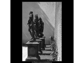 Zákryt soch (4599-26), Praha 1966 červenec, černobílý obraz, stará fotografie, prodej
