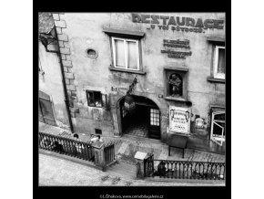 Restaurace U Tří pštrosů (2972), Praha 1964 červen, černobílý obraz, stará fotografie, prodej