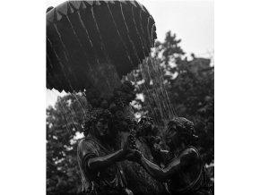 Detail empirové Wimmerovy kašny (4650), Praha 1966 červenec, černobílý obraz, stará fotografie, prodej