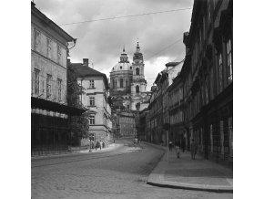 Chrám sv.Mikuláše (4666-2), Praha 1966 srpen, černobílý obraz, stará fotografie, prodej