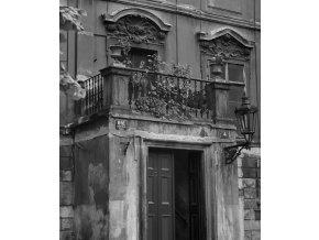 Pražské balkony (4740), Praha 1966 srpen, černobílý obraz, stará fotografie, prodej