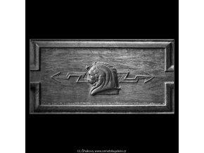 Ozdoba na dveřích (4760), Praha 1966 srpen, černobílý obraz, stará fotografie, prodej