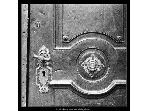 Zámek a výzdoba dveří  (4769-2), Praha 1966 srpen, černobílý obraz, stará fotografie, prodej