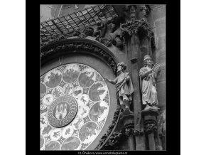 Staroměstský orloj (4778-2), Praha 1966 srpen, černobílý obraz, stará fotografie, prodej