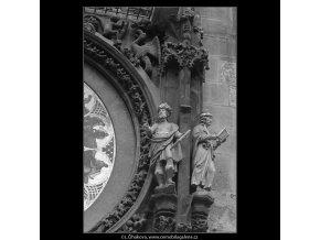 Staroměstský orloj (4778-4), Praha 1966 srpen, černobílý obraz, stará fotografie, prodej