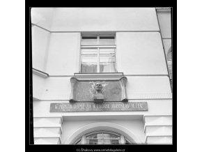 Pamětní deska Jaroslava Ježka (4821-2), Praha 1966 září, černobílý obraz, stará fotografie, prodej