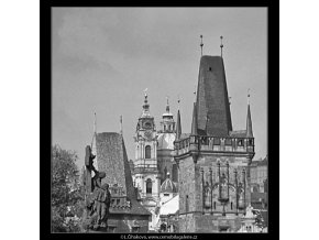 Věže mostecké a mikulášské (4841), Praha 1966 září, černobílý obraz, stará fotografie, prodej