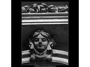 Maskaron (4880-2), Praha 1966 říjen, černobílý obraz, stará fotografie, prodej