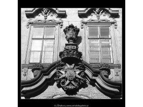 Pražské erby (4882), Praha 1966 říjen, černobílý obraz, stará fotografie, prodej