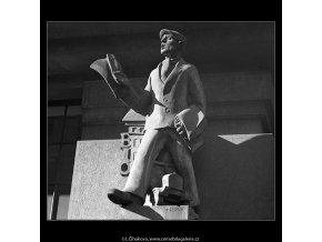 Kamelot (4912-1), Praha 1966 říjen, černobílý obraz, stará fotografie, prodej
