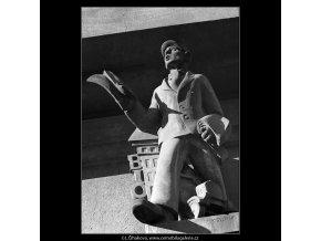 Kamelot (4912-2), Praha 1966 říjen, černobílý obraz, stará fotografie, prodej