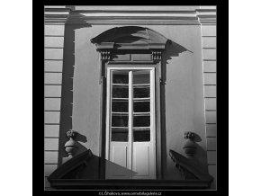 Okno (4921), Praha 1966 říjen, černobílý obraz, stará fotografie, prodej