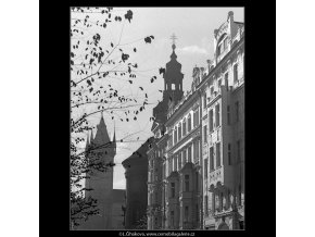 Obnovené fasády (4927-2), Praha 1966 říjen, černobílý obraz, stará fotografie, prodej