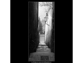 Schodiště milenců (4205), Praha 1965 prosinec, černobílý obraz, stará fotografie, prodej