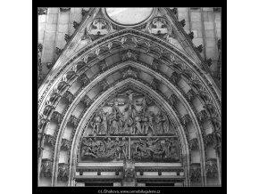 Chrám sv.Víta (4965-2), Praha 1966 listopad, černobílý obraz, stará fotografie, prodej