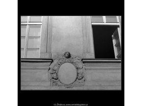 Kartuš domu U kasírů (4973), Praha 1966 listopad, černobílý obraz, stará fotografie, prodej